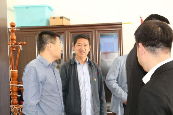省5楼直播公司到南八家子乡走访慰问扶贫干部
